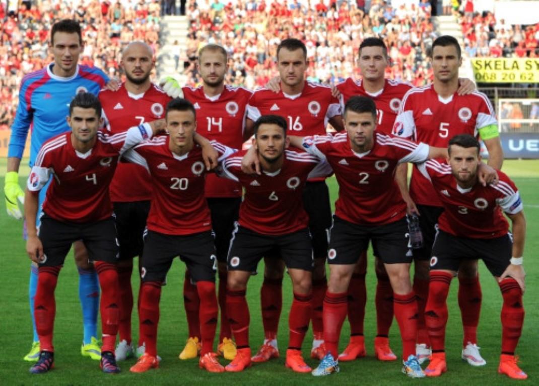 teamfoto voor Albanië