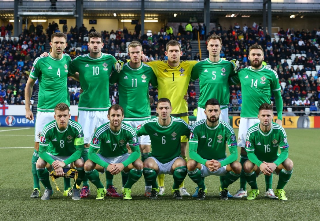 teamfoto voor Noord-Ierland
